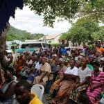 (16)Fast 400 Bewohner nehmen an  der Zeremonie teil 1