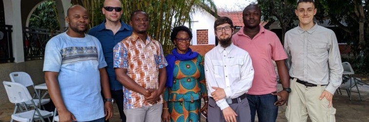 WLAN Implementierung an der University of Ho  –  HITA Team kommt in Ghana an!