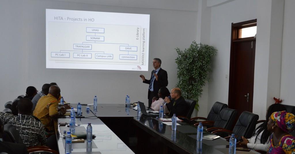 Meeting auf Management-Ebene mit der Universität 2